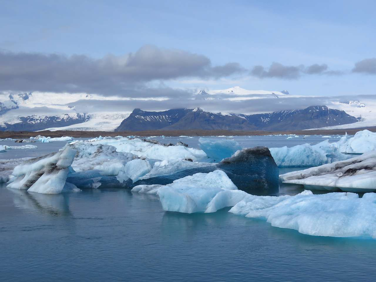 Vatnajökull Glacier Iceland - 9 Most Amazing Glaciers in the World Worth Visiting