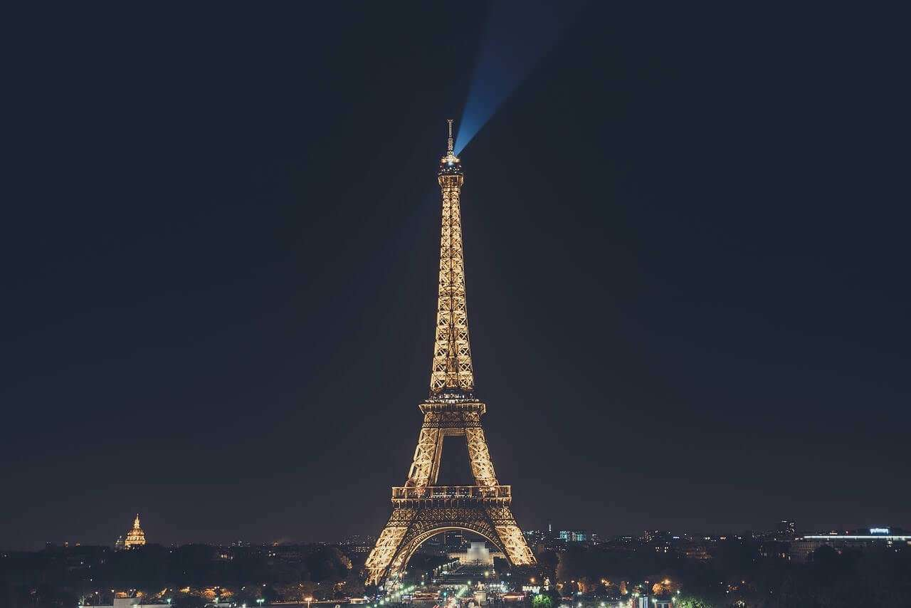 Eiffel Tower Paris yawshq - 10 Beautiful Places To Visit At Night