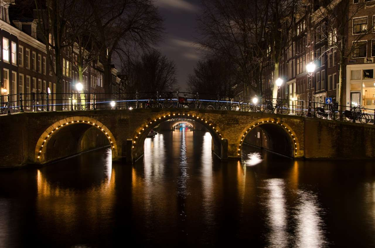 City-lights-night-water,Amsterdam