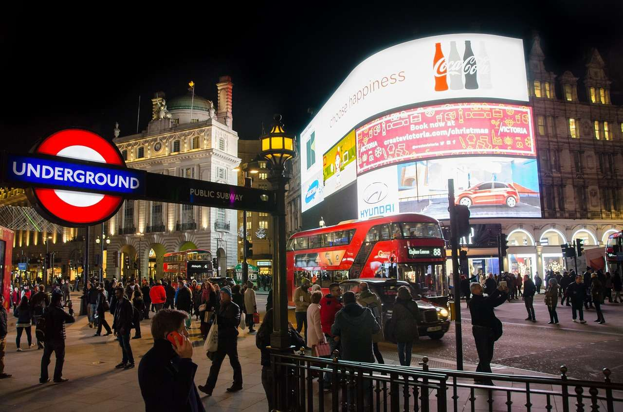 Piccadilly Circus - Top things to do in London