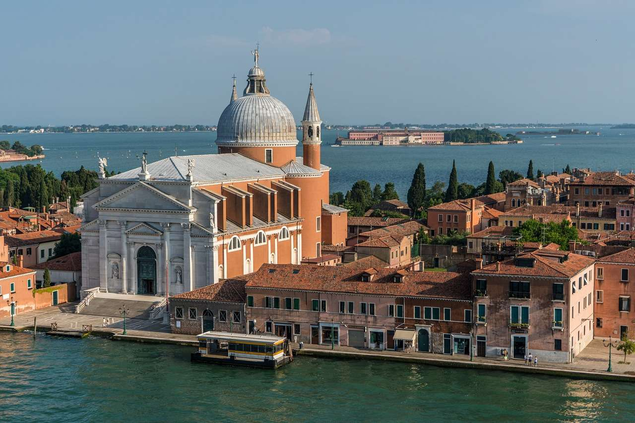 venice 1506284 1280 - Best Places To Visit in Italy